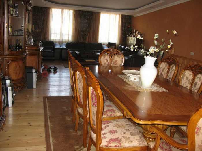 6 bedroom apartment sold for 300 Aragvelians