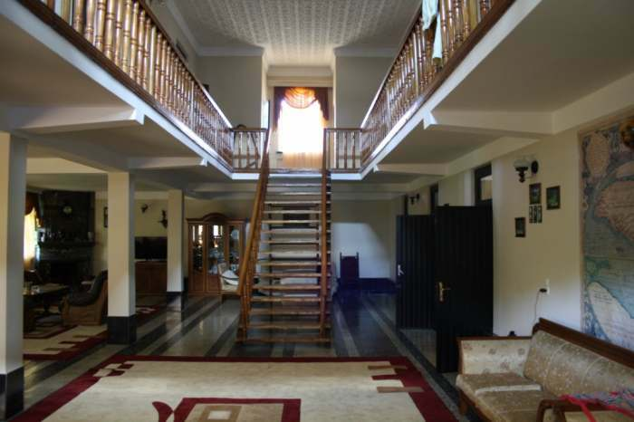 Comfortable House for rent with 8 rooms