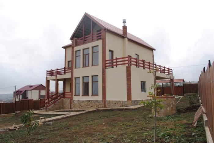 For sale private summer house in Tsavkisi, 6 km from Tbilisi downtown.