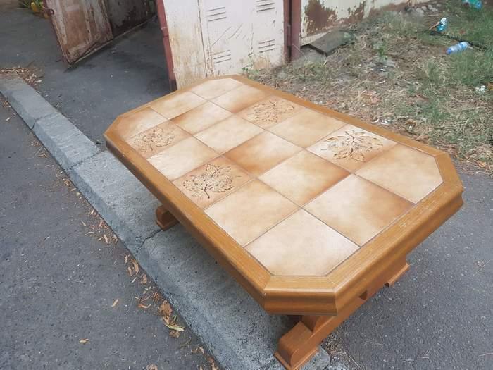 გერმანული ფილეებიანი მაგიდა