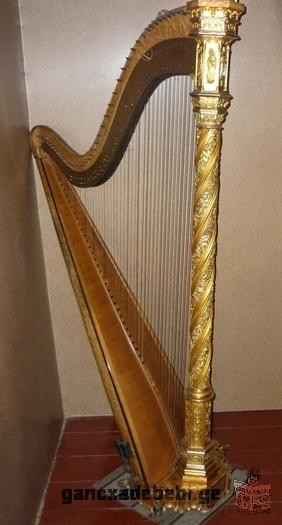 იყიდება მე 19 საუკუნის მუსიკალური ინსტრუმენტი - არფა. ფასი შეთანხმებით (ტ:593 94 57 01; 555 310 512)