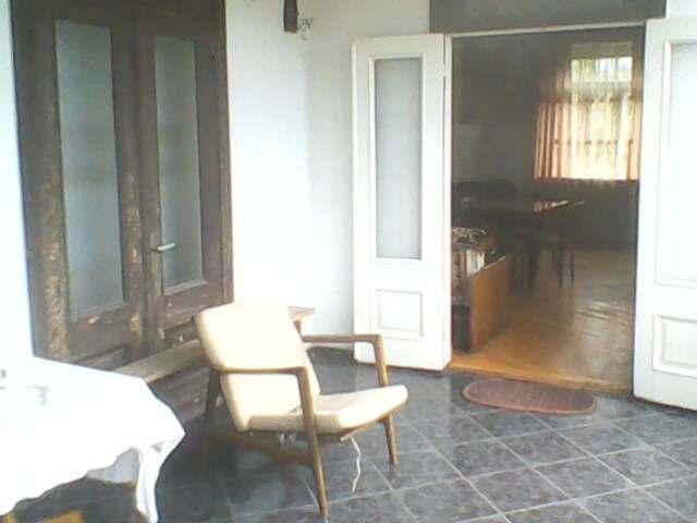 მახინჯაურში, ქირავდება კეთილმოწყობილი ოთახი, ზღვიდან 50 მეტრში(10 ლარად )