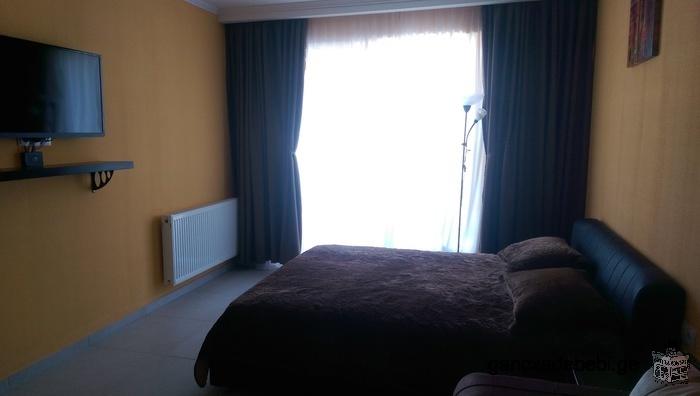 სასტუმრო მდებარეობს ბაკურიანში