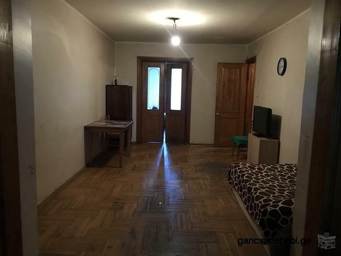 სასწრაფოდ იყიდება 115 კვადრატული, 3 ოთახიანი ბინა