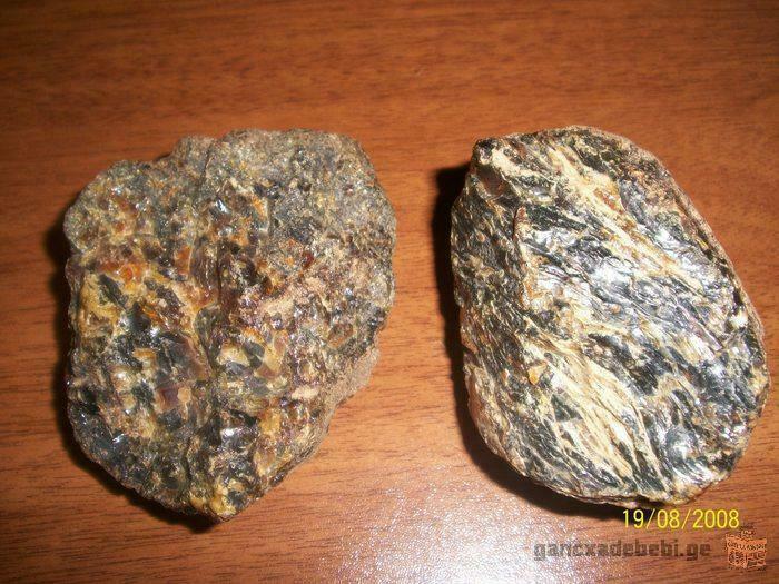 ქარვის ქვები