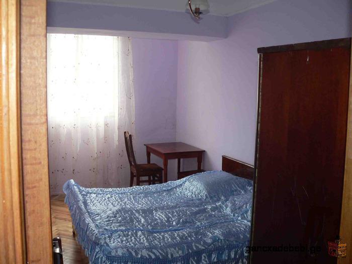 ქირავდება 3-მ ოთახიანი ბინა ბათუმში გორკის და ლერმონტოვის კვეთაში