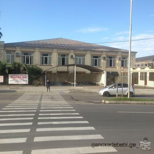 Kiravdeba 500 m3(kvadratuli metro) komertsiuli parti Bagrationis kuchaze,ketilmotskobili shenoba