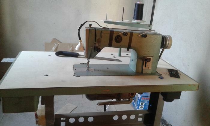 Продаю швейную машинку 1022