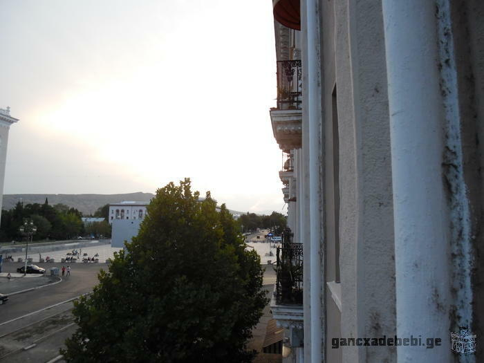 Продаётся 3х комнатная квартира в самом центре Рустави.