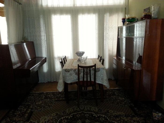 Продаётся 5 комнатная квартира в Кутаиси 100 квм. возле нового парламента