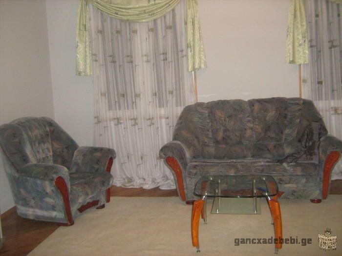 Сдаетса 3 комнатная отремантированая квартира возле метро :Гоцеридзе: бывшее метро;Электродепо;