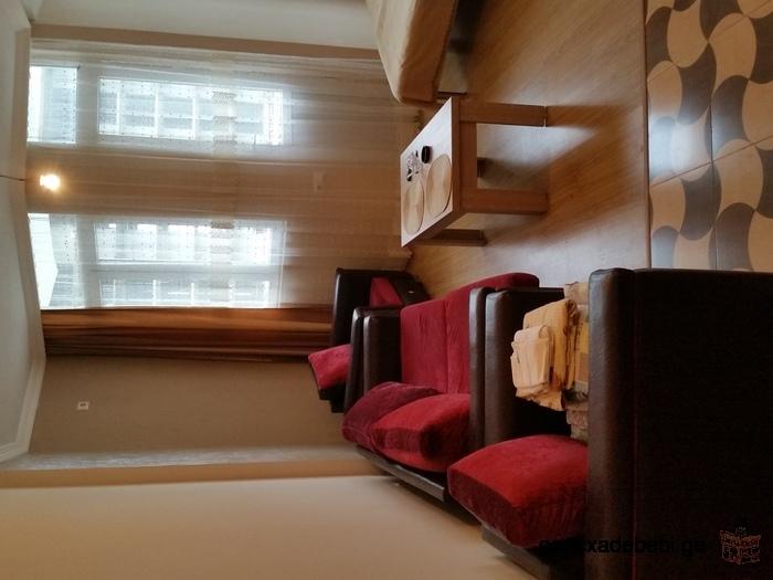 Сдается по дням, новая одно комнатная квартира с шикарным видом на море.