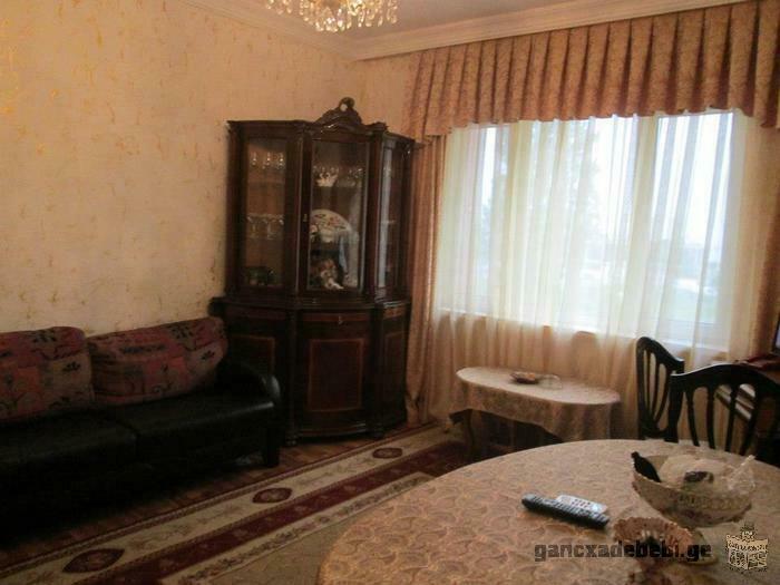 Сдам 3-х комнатную благоустроенную квартиру у моря