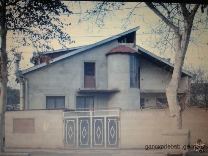 Срочно!продаётся дом в Тбилиси