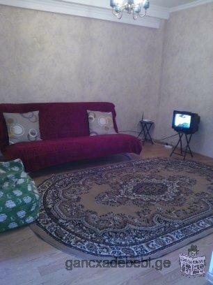 продается 1,5 комнатная квартира переделанная на 2-х комнатную у метро Важа Пшавела