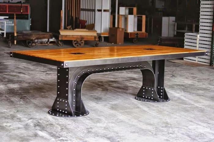 стола