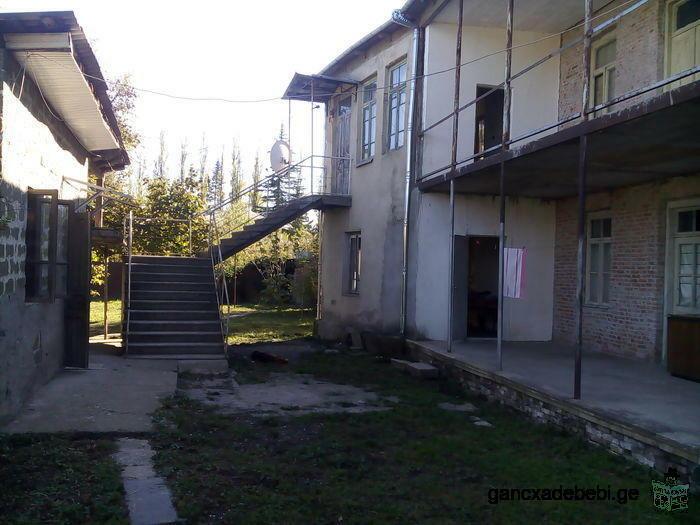 2х этажный дом с садом